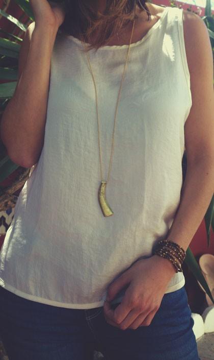 Colgante ídolo oculado levantino, (Navarrés, Cultura de los Millares) Calcolítico